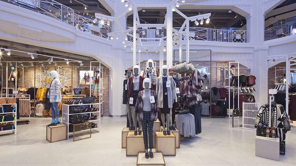 Primark s flagship madrid store reggiani illuminazione for Oficinas primark madrid